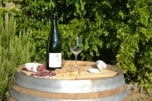 vin fromage sur tonneau